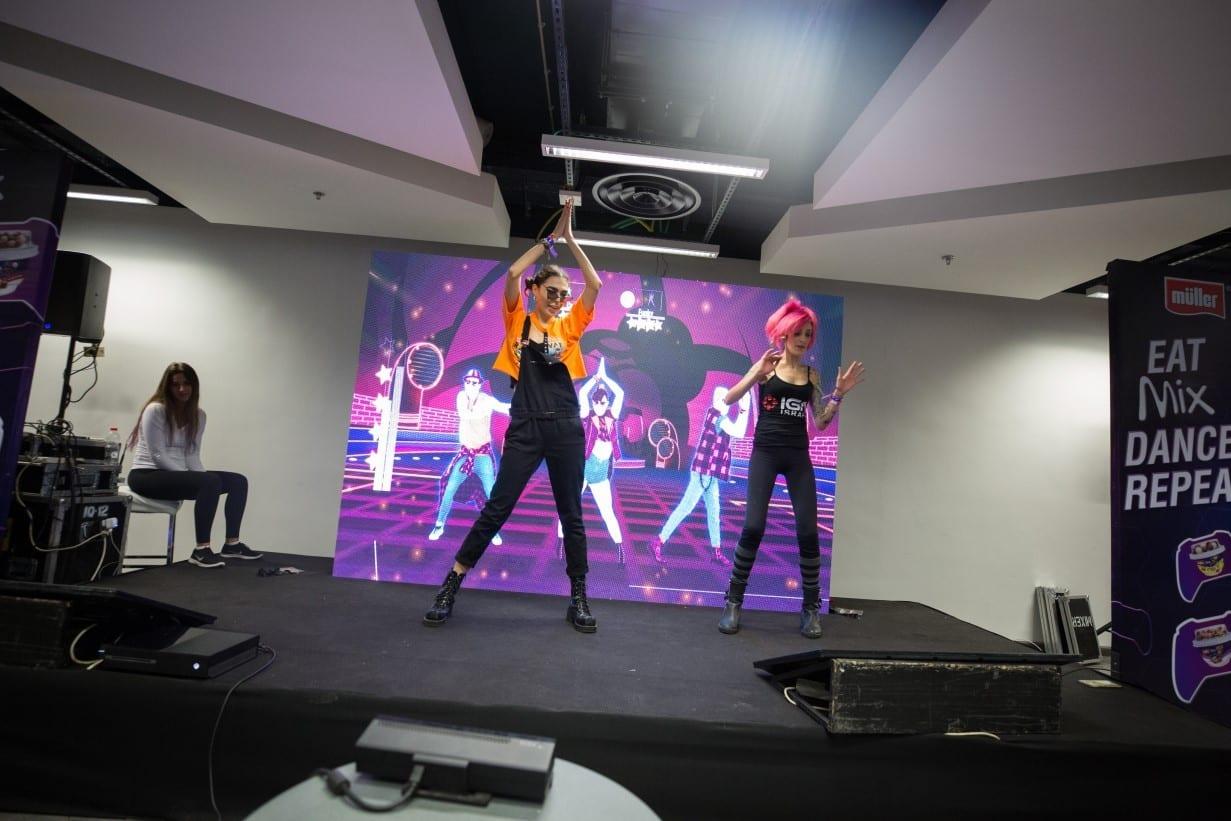 הפעלות ריקוד באירוע הפקה באצטדיון סמי עופר