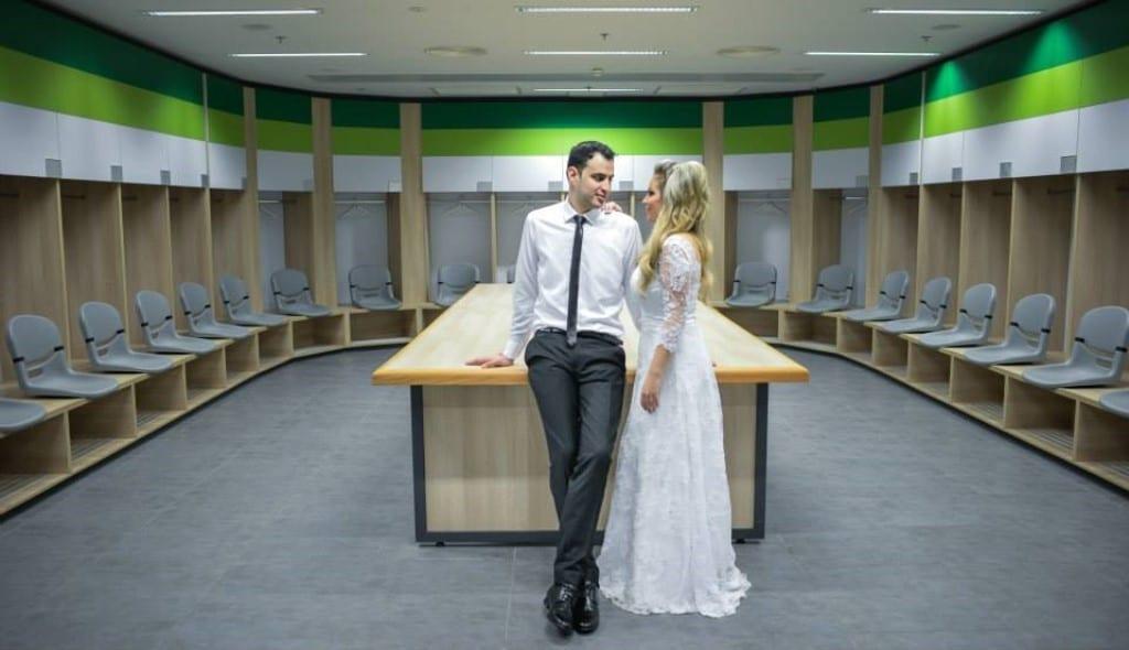 צילומי זוגיות בחדרי ההלבשה באצטדיון סמי עופר