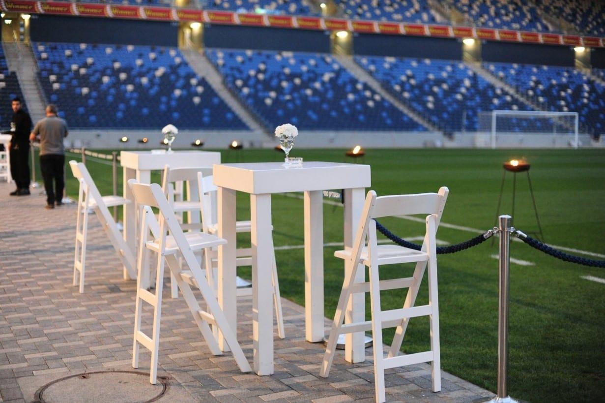 קבלת פנים לאורחי חתונה באצטדיון סמי עופר