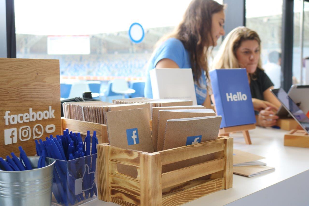 יריד פייסבוק באצטדיון